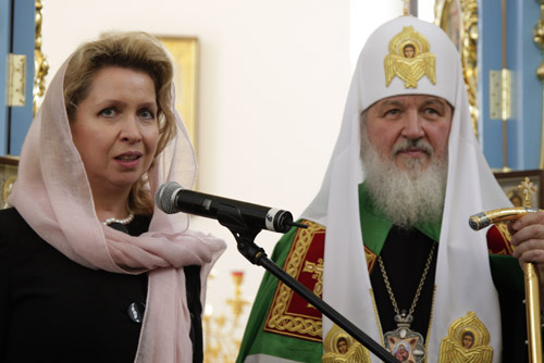 Patriarch Kirill is the first to receive an Orthodox luxury phone 01/19/2017 25