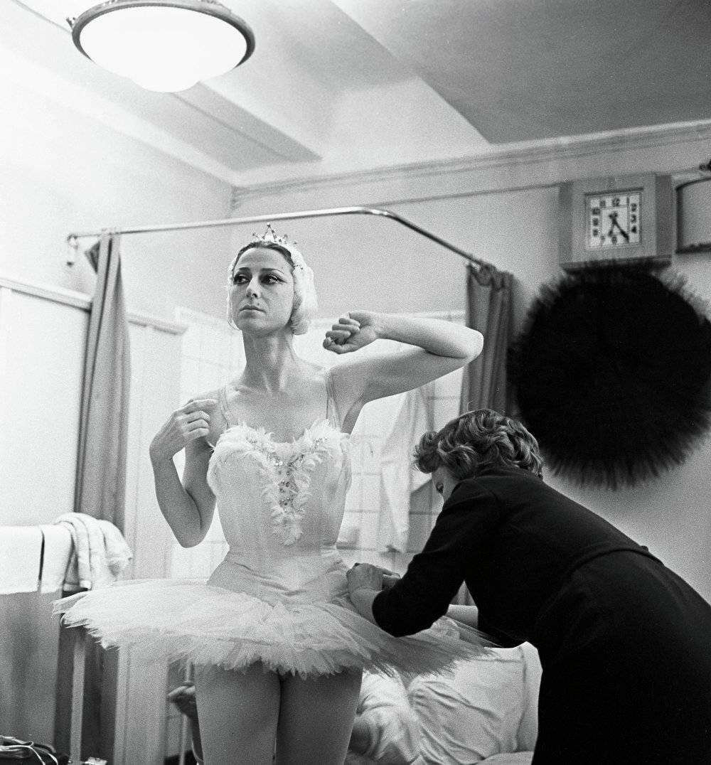 Prima Ballerina Assoluta: Maya Plisetskaya Celebrates Her ...
