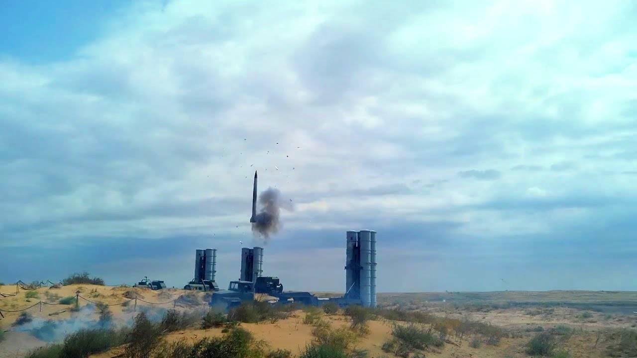 Israel, US Secretly Trained Against S-300 Air Defenses in Ukraine
