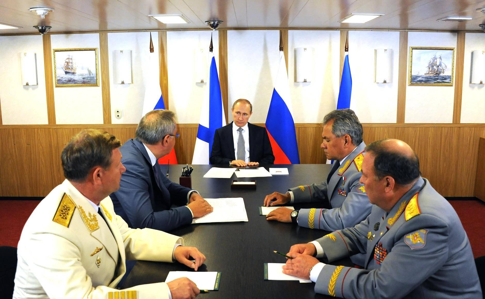 From let to right: Victor Chirkov, Dmitri Rogozin, Vladimir Putin, Sergei Shoigu and Anatolii Sidorov
