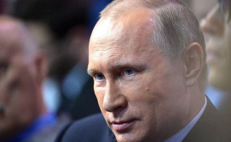 Putin vows to support truthful state and independent media in Russia