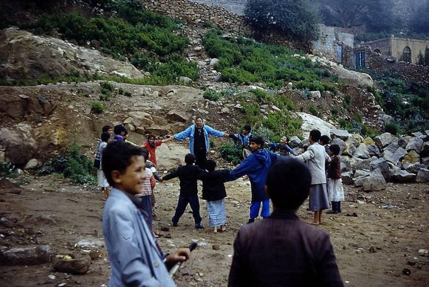 Yemeni children December 31, 2000 - Courtesy lelebella