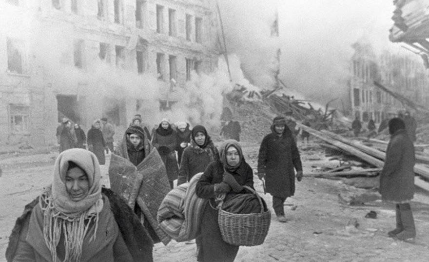 One million civilians perished in the German siege of Leningrad alone (CC)