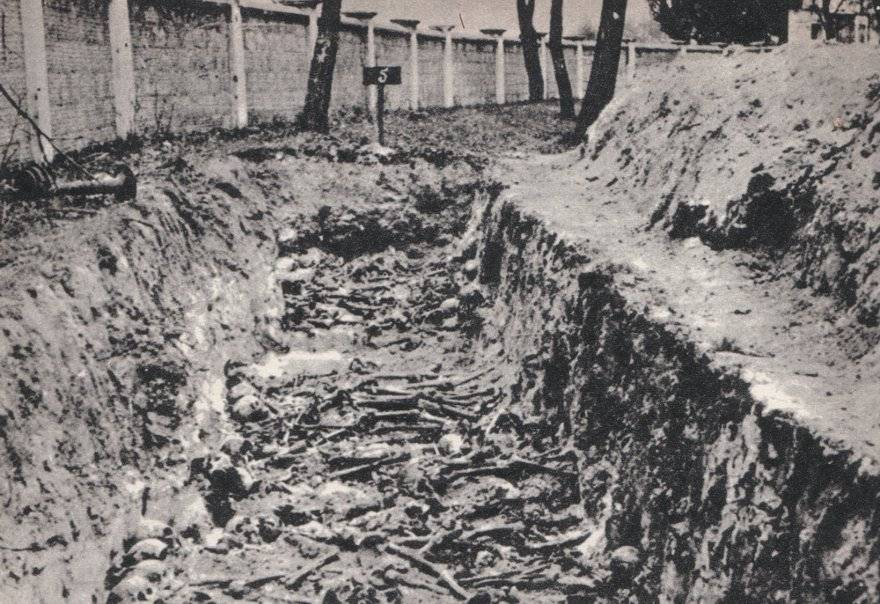 And Poland would forget - Mass grave of Soviet POWs, killed by Germans in prisoner-of-war camp in Dęblin, German-occupied Poland