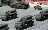 A shocking photograph of Russian surface-to-air systems being deployed to Europe (Red Square)
