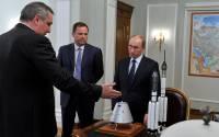 President Vladimir Putin meets with Deputy Prime Minister Dmitry Rogozin and Roscosmos Head Igor Komarov.