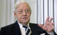 Former Chancellor Helmut Schmidt warns against an escalation of the conflict