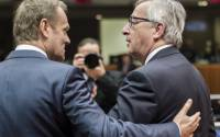 European Council President Donald Tusk, left, speaks with European Commission President Jean-Claude Juncker during a round table meeting at an EU summit in Brussels on Friday, March 20, 2015 | Photo: AP