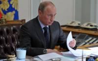 President Vladimir Putin ponders AgriBusiness over milk and cookies
