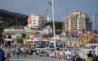Yalta tourists via Jorge Campos