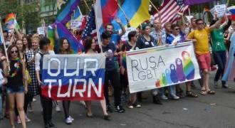 Русскоязычные геи плелись в хвосте нетрадиционного парада в Нью-Йорке