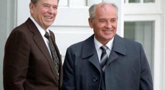 Как рейгановская гвардия «холодной войны» возглавила оппозицию политике Обамы по отношению к России