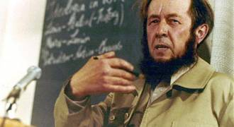Solzhenitsyn Correctly Predicted the Decadent Collapse of America 40 Years Ago - (Russian TV News)