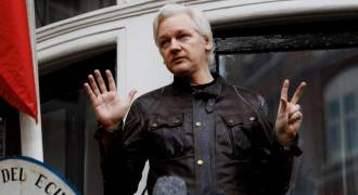 Why Isn't Assange Being Charged With 'Collusion With Russia?'