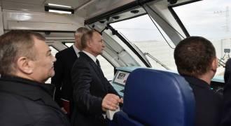 Putin Launches Direct Train Service to Crimea