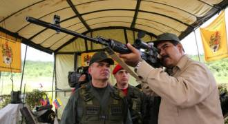 No, Russia Specialists Aren't Leaving Venezuela - Just More Fake News and Total BS