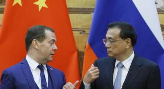 Russia, China Prepare to Dump Dollar, Agree to Bilateral Trade in National Currencies