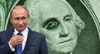 Russia Dumping Dollars, Buying Gold at Fastest Pace in Decades