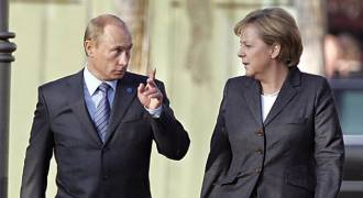 5 Years After Crimea, European Nations Come Crawling Back to Putin One by One