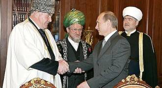 Putin May Look Like an Ethno-Nationalist, But He's Too Cozy With Russia's Muslim Minority