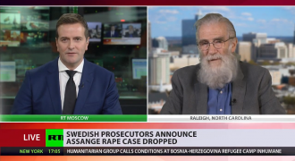 Former Top CIA Officer Grows Enormous Beard to Protest Assange Persecution, Promises to Shave When Assange Is Free