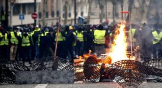 Macron Unleashes Massacre on His Own People; Paris Is a War Zone Now