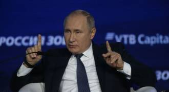 Putin Says Fracking is 'Barbaric', 'It Destroys the Environment'