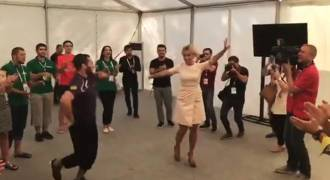 Kremlin Spokesgal Zakharova Dances Iconic National Dance of Islamic South (Lezginka, Video)