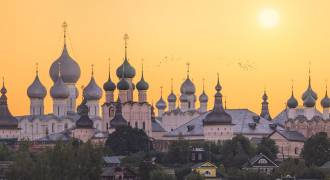 9 Medieval Towns NE of Moscow - Russia's Cultural, Historic, and Religious Heart - Tourists Flock to the 'Golden Ring'. (Russian TV News)