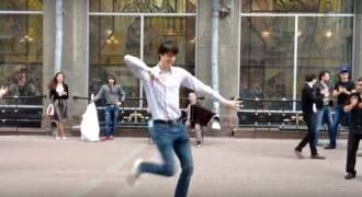 Great Moscow Street-Dancing: National Dance From the Caucasus (Lezginka)