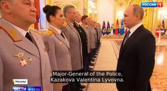 Cool Video of Putin Speaking to Military Elite in Oppulent Kremlin Palace