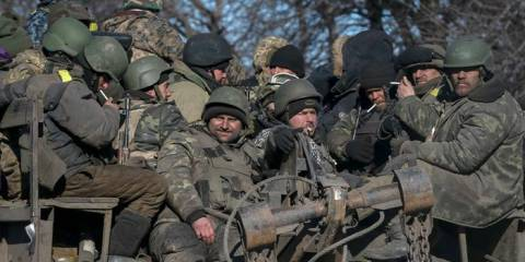 Ukrainian troops flee from Debaltsevo