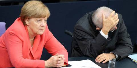 Тщеславие Меркель развязало украинский кризис. Теперь она не знает, что делать
