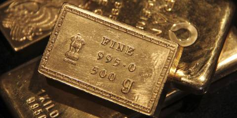 India Diversifying Reserves Away From Dollar, Buying up Gold