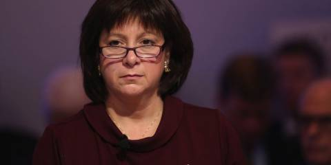 Ukraine's Finance Minister Natalie Jaresko said on March 24, output shrank 7 to 10 percent in the first quarter | Photo: Chris Ratcliffe, Bloomberg