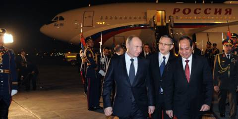 President of Russia Vladimir Putin and President of Egypt Abdel Fattah el-Sisi during the welcoming ceremony at Cairo airport | Photo: RIA Novosti