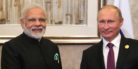 Defying US, India Buys $5 Billion Worth of S-400 Anti-Aircraft Missiles From Russia