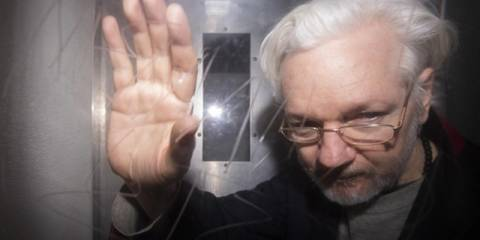 UN Rapporteur for Torture: Assange Being Set Up To Be 'Burnt at the Stake'