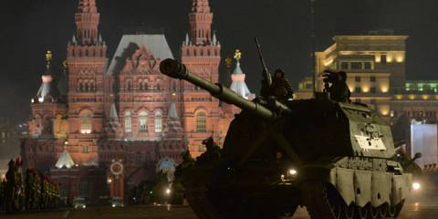 Moscow, Russia. A Coalition-SV self-propelled gun rolls by during rehearsal for parade marking the 70th anniversary of the Soviet Union's victory in the Great Patriotic War of 1941-1945 | Vladimir Astapkovich, RIA Novosti