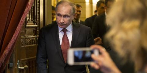 Is Putin exploiting weaknesses in the EU?