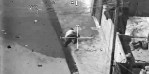 """""""Сопутствующий ущерб"""" - 12 июля 2007 года два репортера агентства """"Рейтер"""" и еще десяток  мирных жителей были убиты ракетой, выпущенной с американского вертолета"""