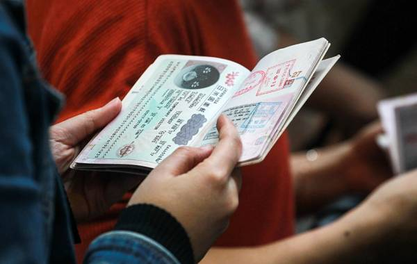 Russia Offers Simplified E-Visas to Visitors of St. Petersburg 2 hours ago