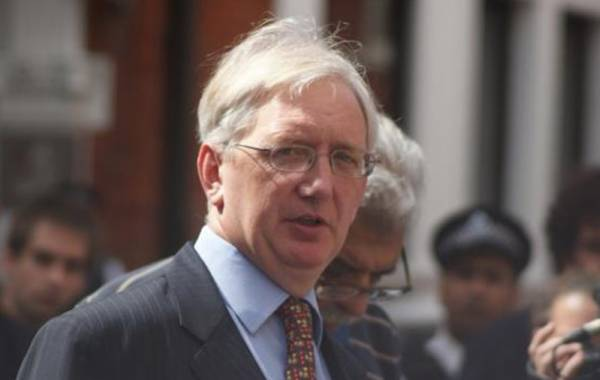A Truly Influential Writer Needs Your Help to Attend the Assange Court Hearings Next Week - Please Chip In! (Craig Murray)