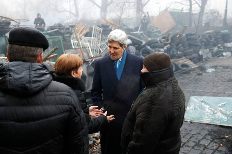 Kerry on the Maidan barricades, March 2014