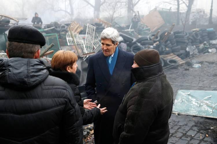 Kerry on the Maidan barricades, March 2014