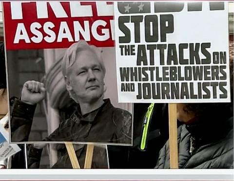 10 Reasons Julian Assange Should Walk Free