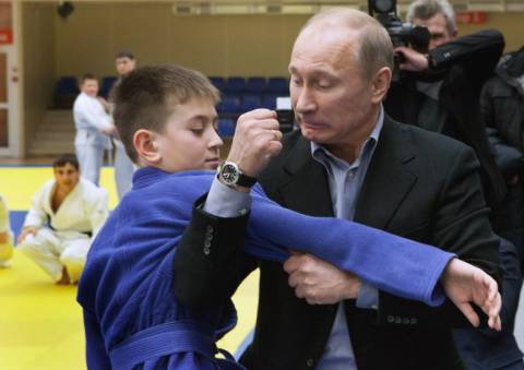 Putin only spars with children. (Proof.)
