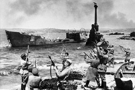 The Liberation of Crimea: One of the Ten Major Blows that Destroyed Adolph Hitler