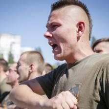 Америка обучает украинских неонацистов?