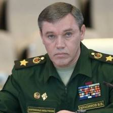 Chief of Russian General Staff Says Will Target US Aircraft if Strikes on Syrian Army Endanger His Men